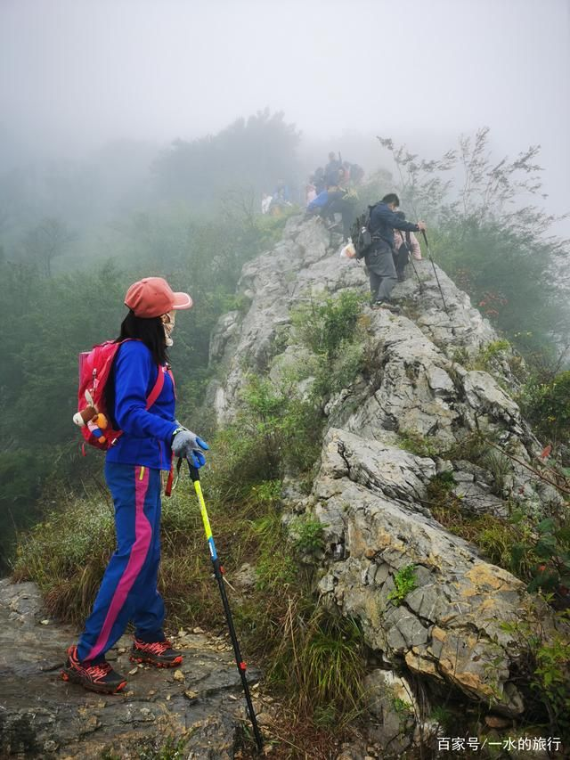 雨中挑战青州三角地蛤蟆山,羊肠挂壁惊险奇绝,堪比太行