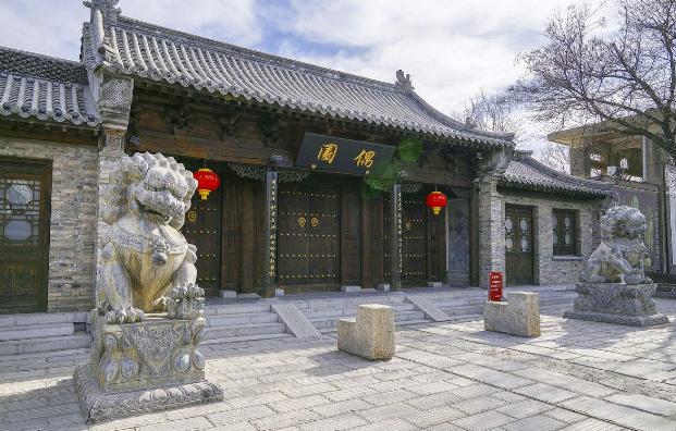 青州偶园中雨中漫步,在时光流转间体会百年前的故事
